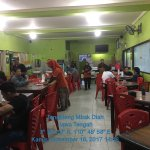 Suasana tempat makan