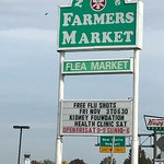 Farmers Market Sign on Highway 2017