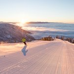 Sunrise skiing at Whitefish Mountain Resort. Photo by GlacierWorld.com / Whitefish CVB