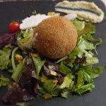chèvre croquette salad starter
