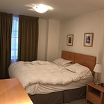 Photo de The King's Wardrobe Serviced Apartments by BridgeStreet