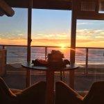 Room service to Hallmark Resort Newport