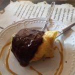 Filloas con helado y chocolate