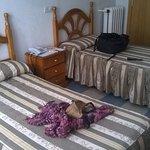 Dos comodas camas