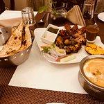 Garlic naan with tandoori