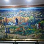 Cuadro sobre la historia de Alalá (en el hotel)