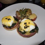 Breakfast en-suite in villa 11