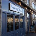 B & B towards Ship pub