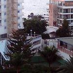 Blick auf Nachbarhotels