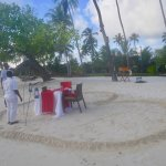 Beach: setting up a special space for honeymooners