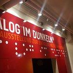 Photo of Dialog im Dunkeln