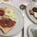Desayuno buffet en el Parador de Tordesillas (salado y dulce)