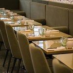 Salle de restaurant moderne et design pouvant accueillir 40 Couverts