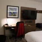Photo de Holiday Inn Express Vancouver Airport