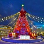 桃園華泰名品城聖誕村-15米高桃色聖誕樹