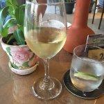 Домашнее вино, вода с лаймом