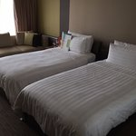 Traders Hotel-Twin Beds