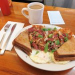 Corned Beef Hash & Eggs - Village Coffee Shop, Boulder (19/Nov/17).