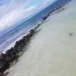 Foto de Hatchet Caye Resort