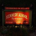Foto di McMenamins Kennedy School
