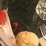 Victoria Sponge Cake with ice-cream