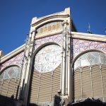 fachada de la entrada al Mercat
