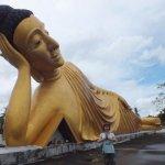 Статуя Будды находится на крыше убосот,