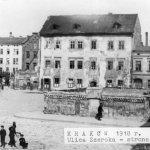 zdjęcie z 1918 roku po prawej obecna Miodova Restaurant