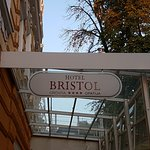Photo de Hotel Bristol by OHM Group