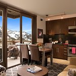 Hotel Terra Junior Suite has a fully-equipped kitchen and offers mountain views from your balcon