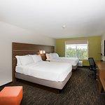 Photo de Holiday Inn Express Hotel Hastings