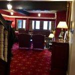 Photo de The Mallyan Spout Hotel