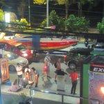 Photo de Wine Connection Deli & Bistro - Jungceylon, Patong Beach