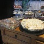 Bild från June's Tea Rooms And Home Bakery