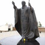La statue du Pape Jean-Paul II