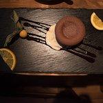 Leckeres Dessert mit Flüssigen Schokokern