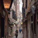 Calle Lunga S.Barnaba dove si trova l'osteria
