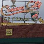 Cream City Foto