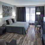 949061 Guest Room