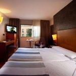 Photo de Hotel Nuevo Torreluz