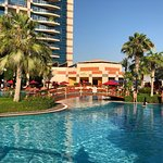 Photo de Khalidiya Palace Rayhaan by Rotana
