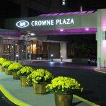 Try the Crowne Plaza Gatineau-Ottawa, you'll be back!