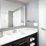 Queen/Queen Studio Suite Bathroom
