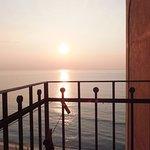 Impagabile balconcino sul mare che all'alba ti regala l'emozione del vivere!