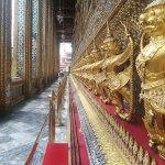 Wat Pho outside