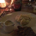 ローカルビーフステーキ+マッシュポテト