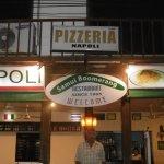Pedro en la entrada restaurante