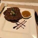 ภาพถ่ายของ 355 Steakhouse and Lounge