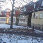 Essa foto é no inverno, temperatura de -10 graus. Representa a subida da rua para o castelo. Ess