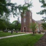 صورة فوتوغرافية لـ Bruton Parish Episcopal Church
